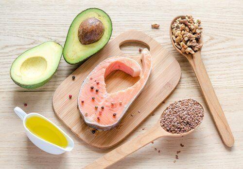 Lihasten kiinteyttämiseksi on tärkeää suosia terveellisiä rasvoja.