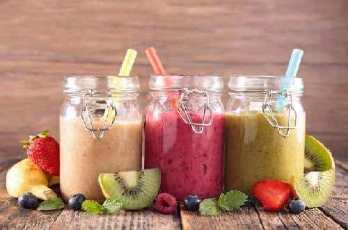7 ravinteikasta ja herkullista smoothieta