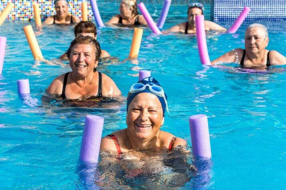 vesijumppa on senioreille sopivaa liikuntaa