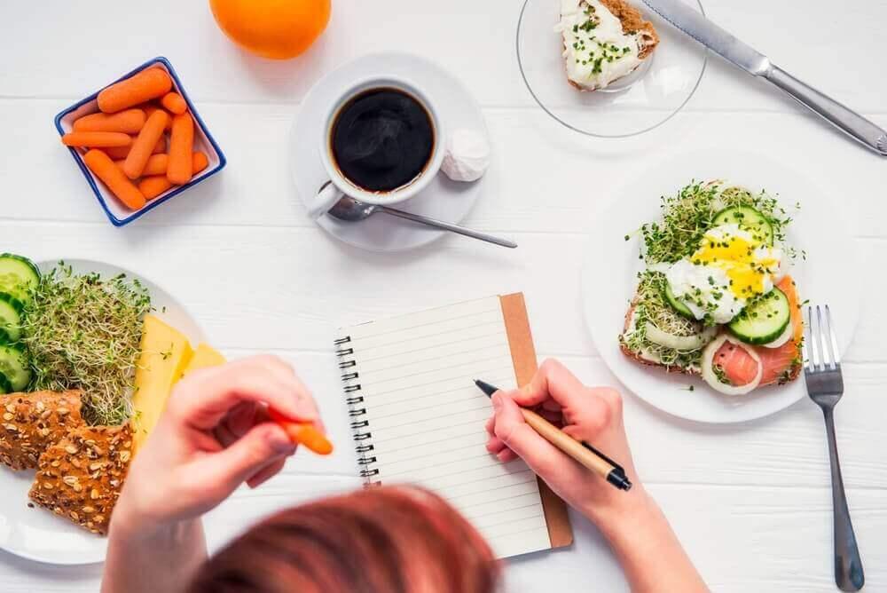 lopeta ruokariippuvuus ja syö terveellisesti
