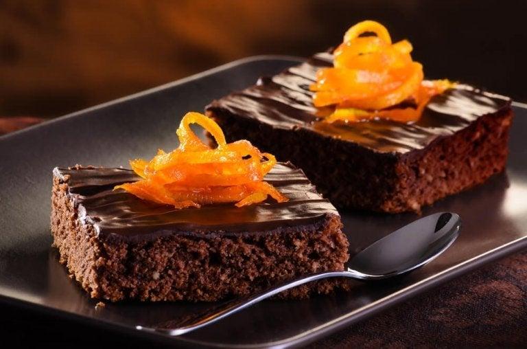 Leivo herkullinen appelsiini-suklaakakku