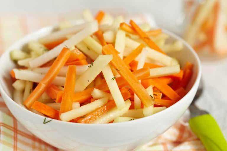 Viisi detox-salaattia suolen puhdistukseen