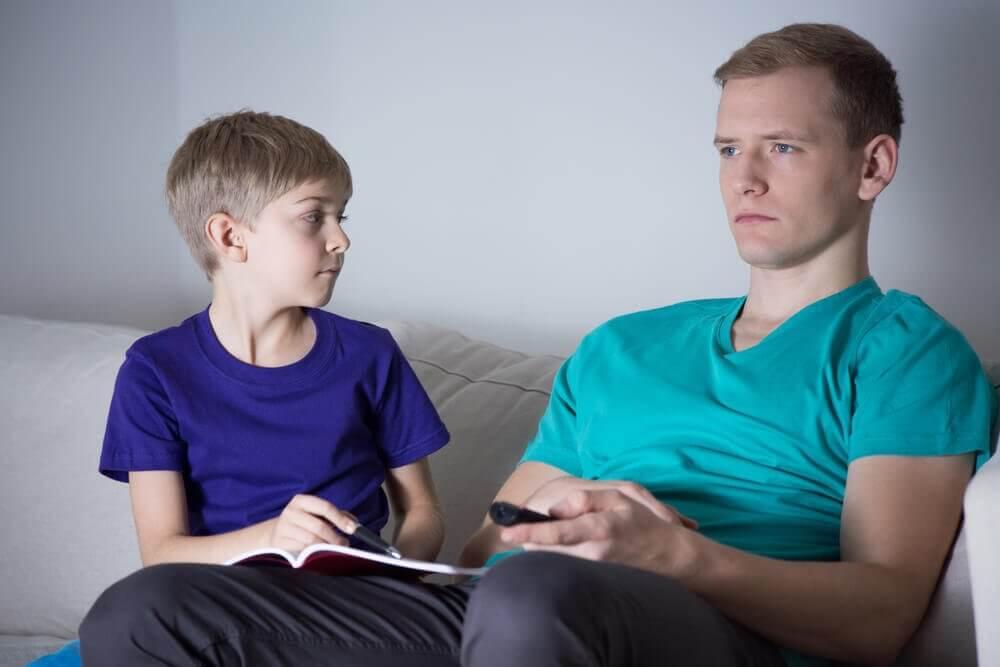 poissaoleva vanhempi ei auta läksyissä