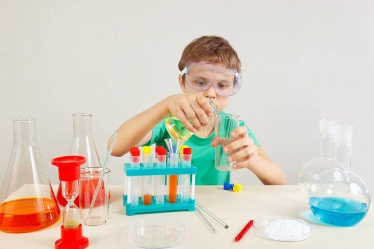 erityisen lahjakas lapsi haluaa olla kemisti