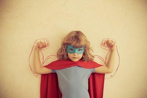 tyttö haluaa olla voimakas