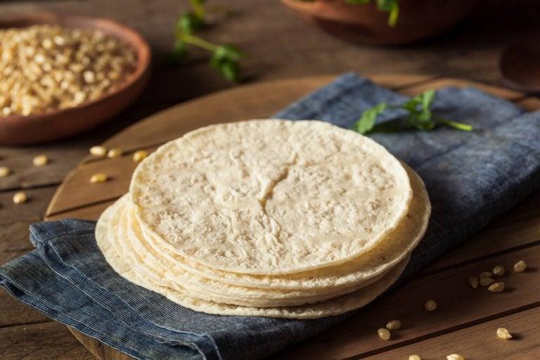 Valmista helppoja kotitekoisia tortilloja