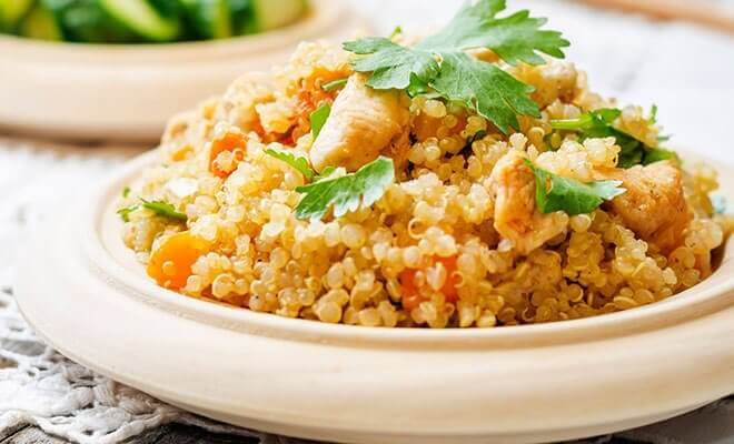 kvinoaa ja kanaa