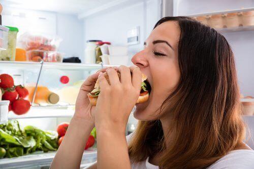 ohjeet vatsarasvan polttamiseen: älä ahmi