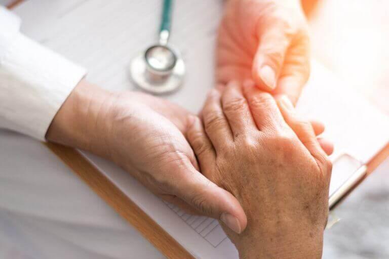 Hoida niveltulehdusta luontaishoidoilla