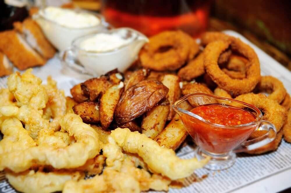 ruokavalio niveltulehduksesta kärsiville: vältä uppopaistettuja ruokia
