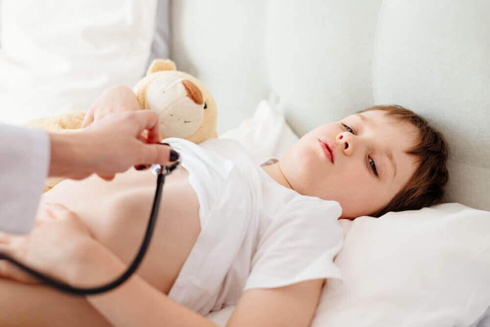 lapsi sairaalassa