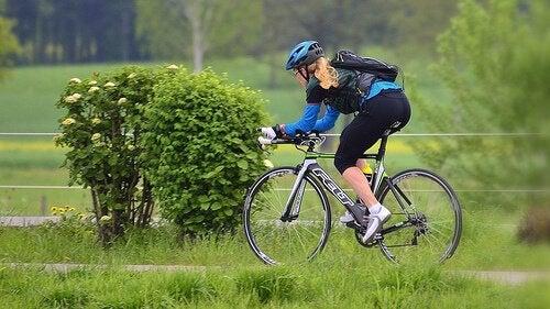 jalkalihasten vahvistaminen pyöräilemällä