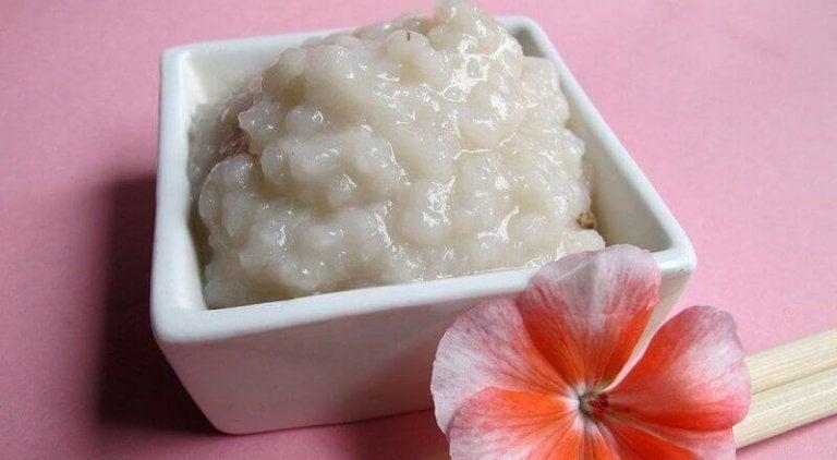 2 tapaa käyttää riisiä ihon puhdistuksessa