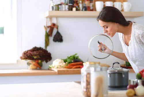 Keinoja poistaa pahaa hajua viemäristä