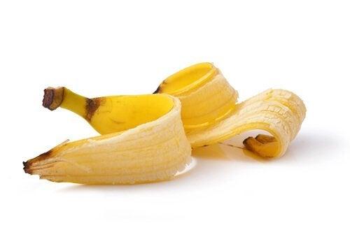 banaaninkuori poistaa syyliä