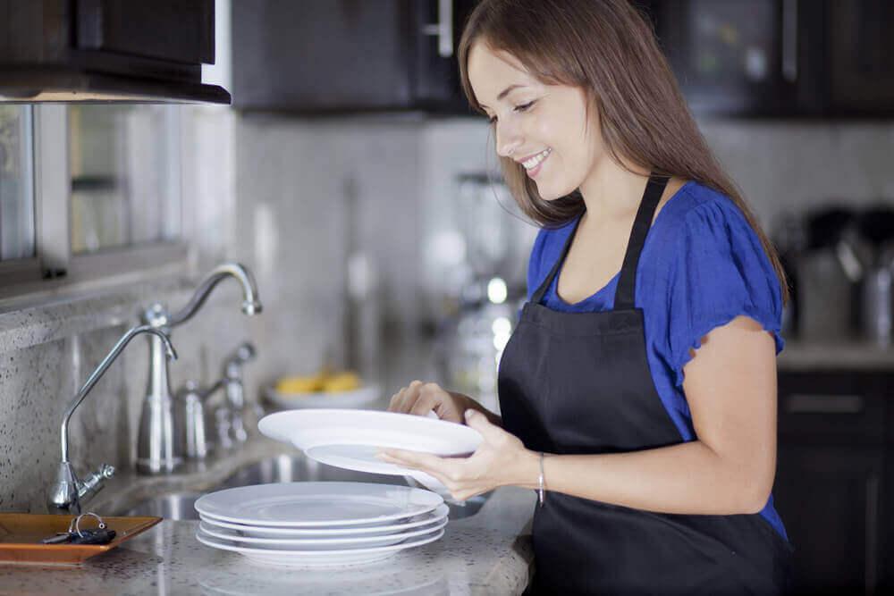 tee keittiöstäsi täydellinen puhdistamalla astiat oikein