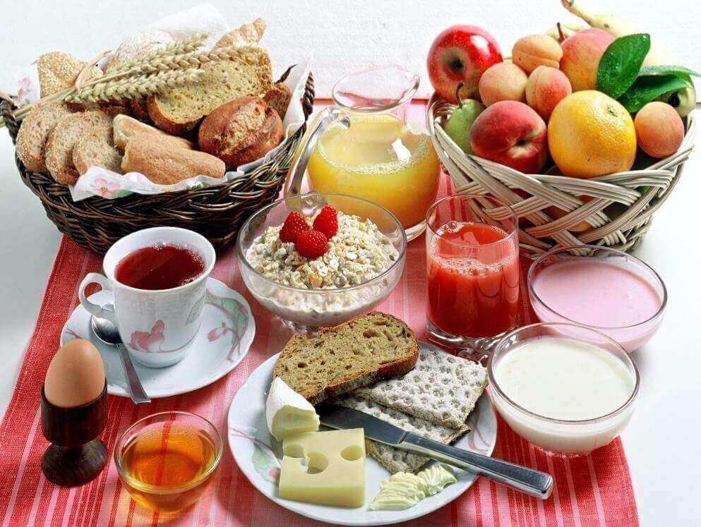 vatsarasvan polttamiseen: syö terveellinen ja runsas aamiainen