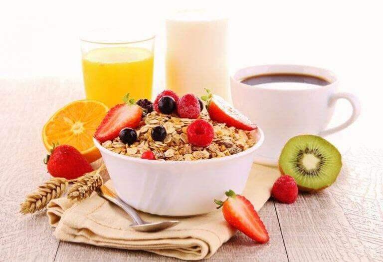 Vatsarasvan poistamiseksi tulee muistaa syödä aamiainen joka päivä.