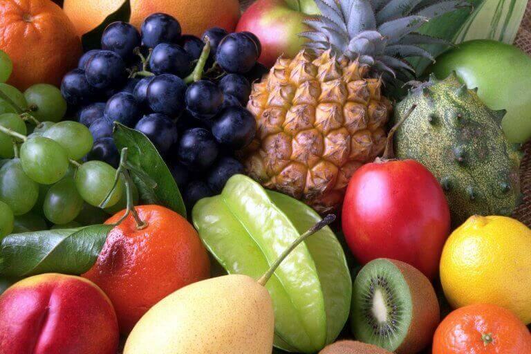 syö paljon hedelmiä sappikivien ehkäisemiseksi