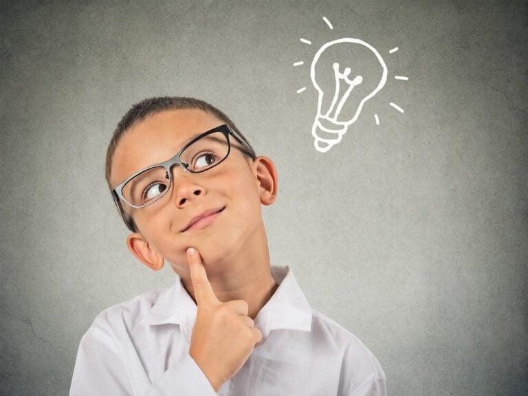 erityisen lahjakas lapsi ajattelee paljon