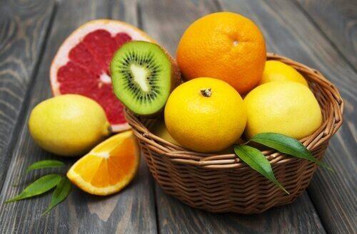 välty flunssalta syömällä sitrushedelmiä