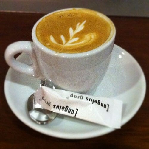 kuvio kahvin pinnalla