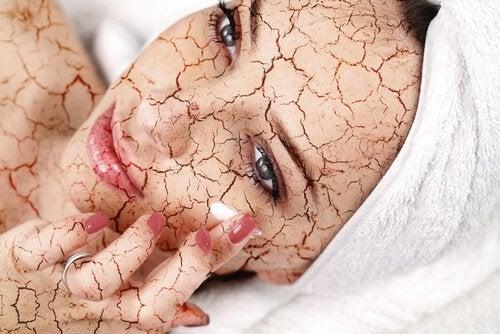 parhaat kuorinta-aineet kuivalle iholle