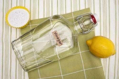 lasinpuhdistusaine etikasta