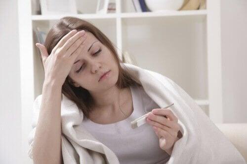 mononukleoosiin liittyy yleensä kuumetta