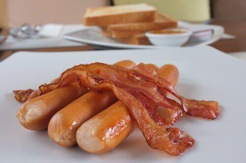 vältä korkeaa kolesterolia: älä syö roskaruokaa
