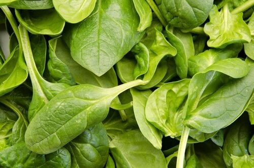 välty flunssalta syömällä pinaattia