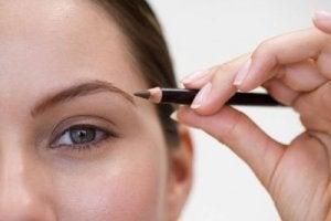 viisi helppoa meikkivinkkiä