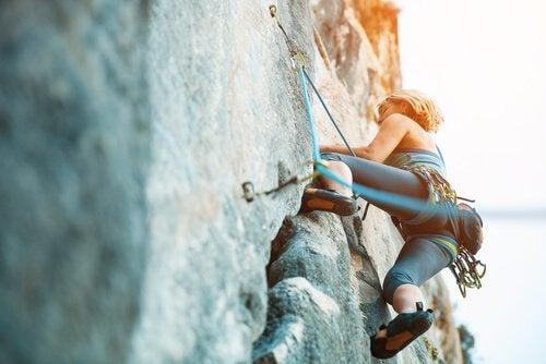 adrenaliinin vapautuminen vuoristokiipeilyssä