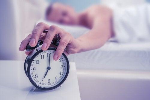 aamuherääminen on vaikeaa