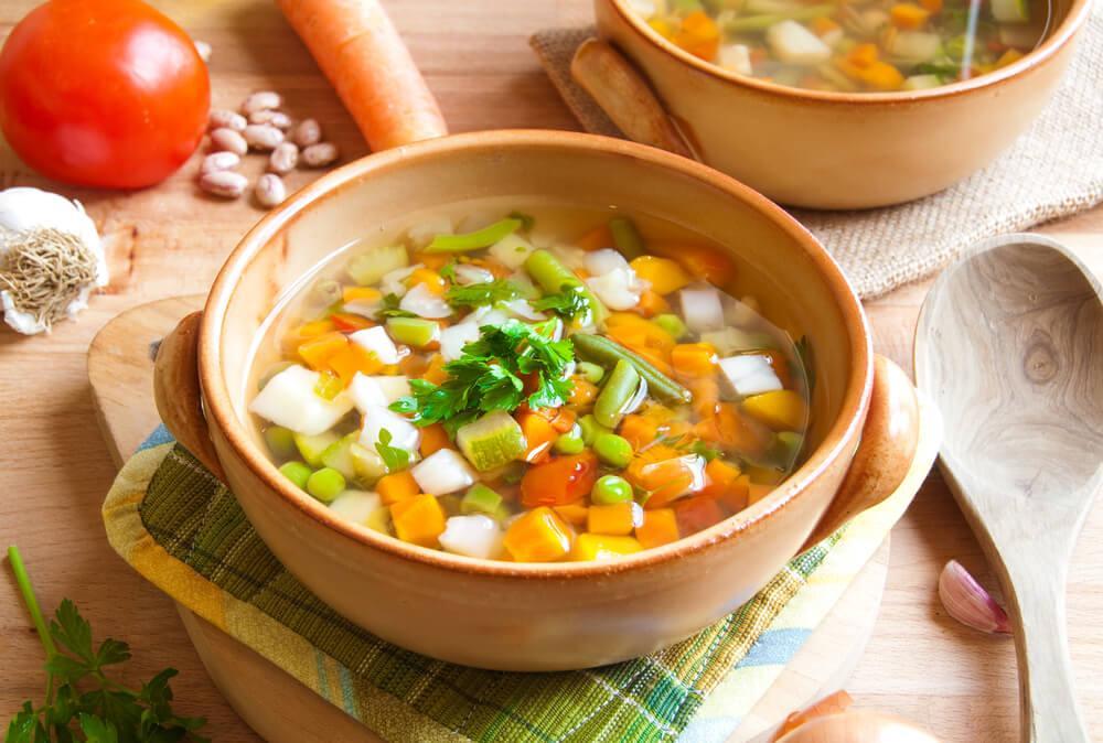yksi tapa lisätä kasvisten syöntiä on tehdä niistä keittoa