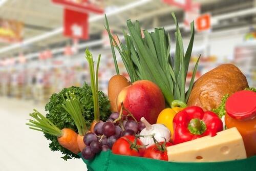 kasvikset, hedelmät ja juusto