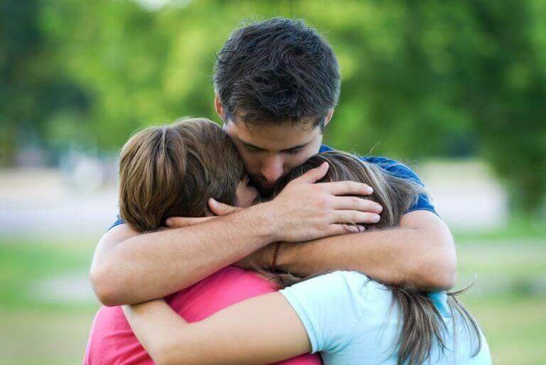 läheiset auttavat eron jälkeen
