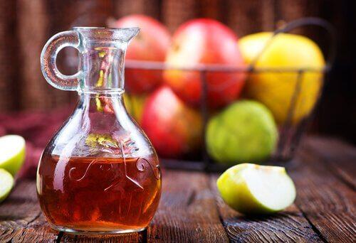 koita luontaishoitoa kurkkukipuun omenaviinietikasta
