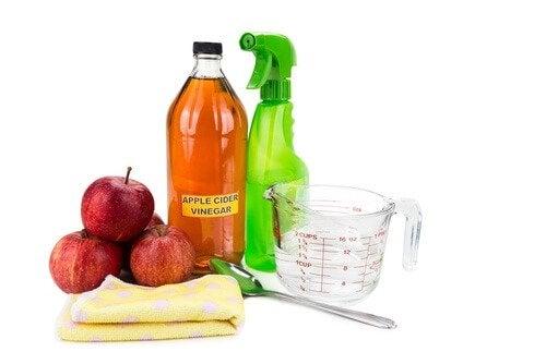 kylpyhuoneen desinfiointi omenaviinietikalla