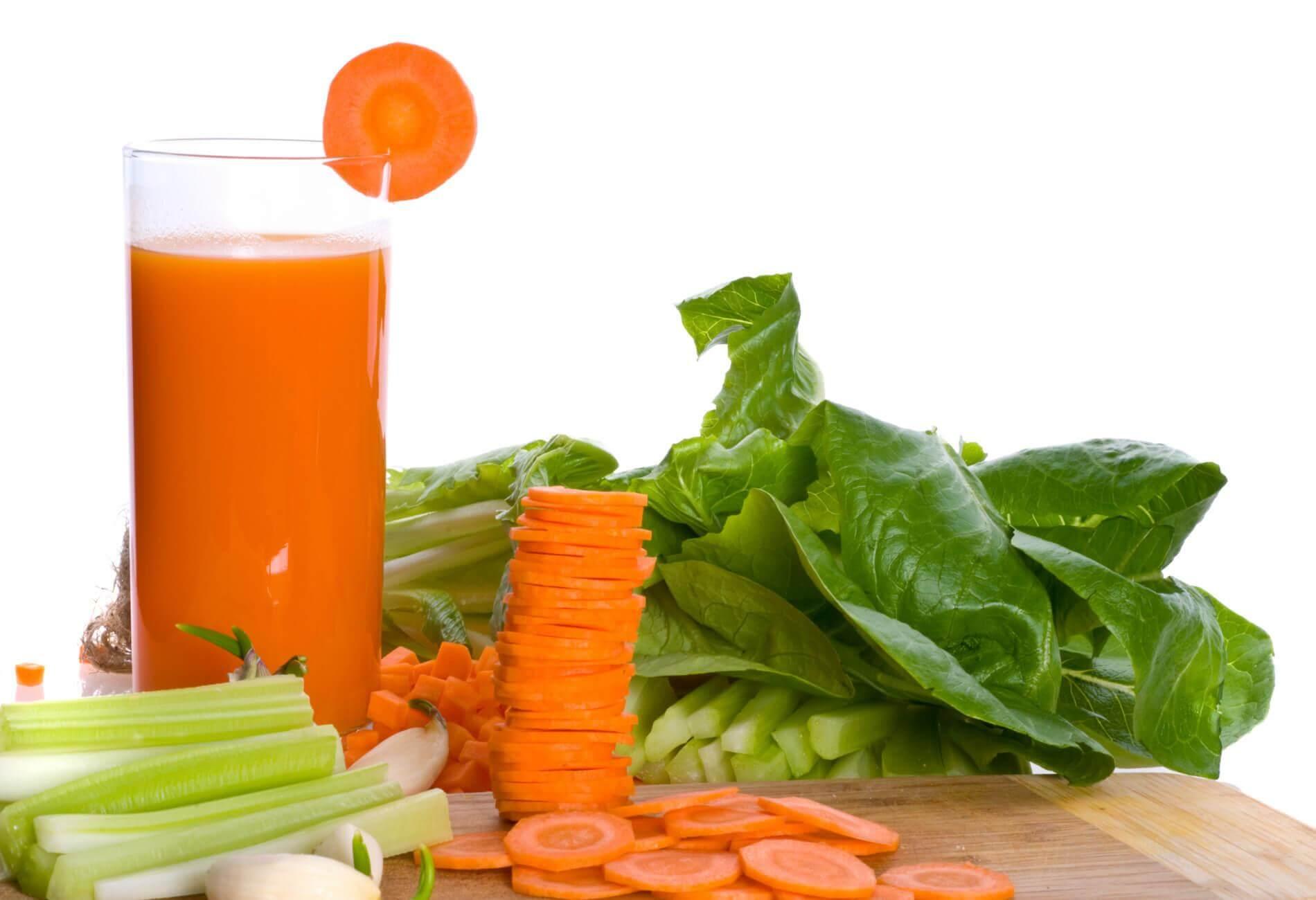 porkkanasta tehtyä mehua mahakatarrin hoitoon