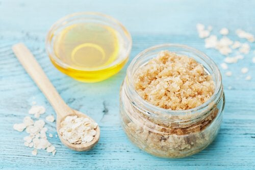 kokeile kuorinta-ainetta kuivalle iholle sokerista