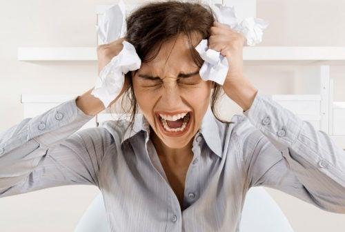 itkeminen on terveellistä koska se vähentää stressiä