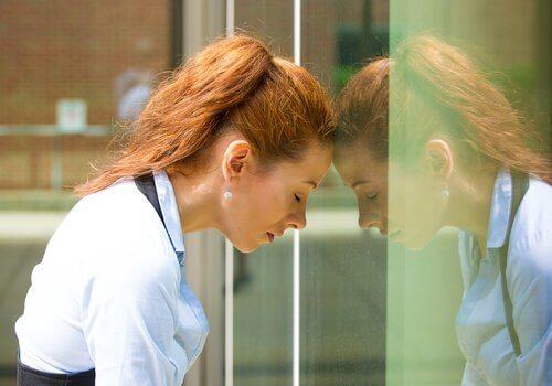naisen musertava syyllisyyden tunne