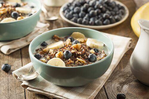 aamiaisen syöminen auttaa sisäistä kelloa