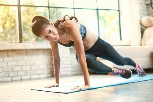 treenaa rintalihakset kotona