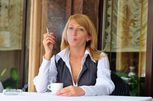 tupakointi aiheuttaa sydämentykytystä