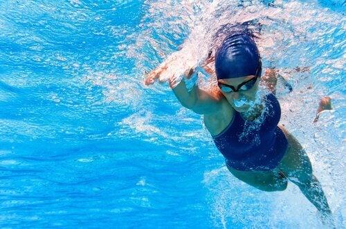 uinti on yksi parhaista painonpudotusharjoituksista