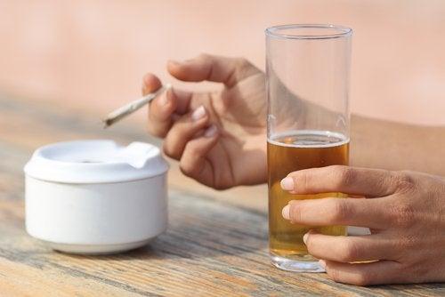 alkoholi ja tupakka