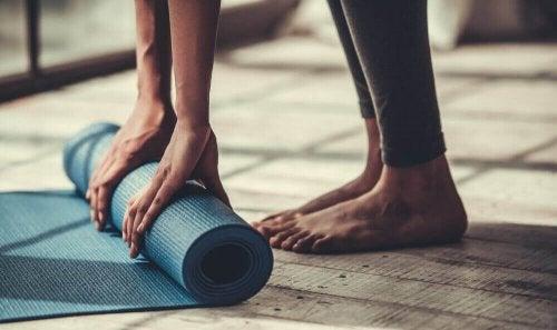5 jooga-asentoa jäykille ihmisille
