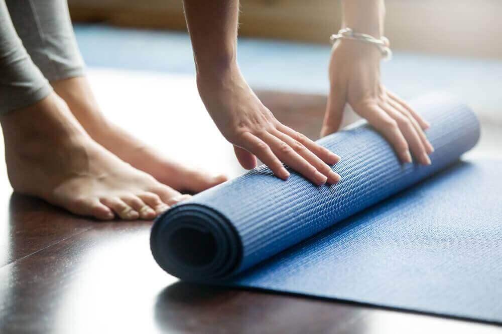 vähennä ahdistusta harrastamalla joogaa